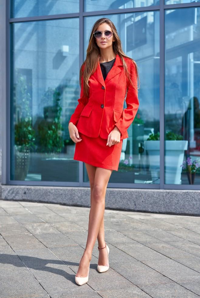 Костюм Зарина с юбкой красный